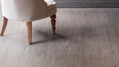 1 4 400x225 - フロアタイル床貼り替えリフォーム
