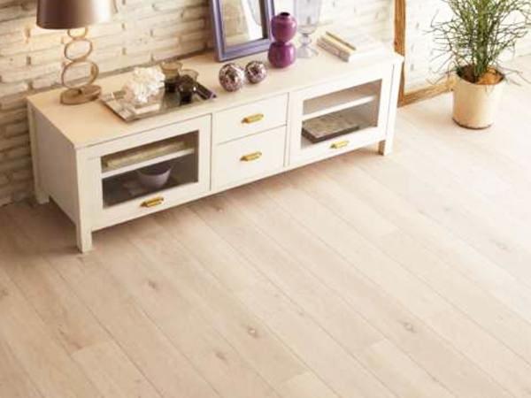 5 600x450 - 格安の床貼り替えリフォーム